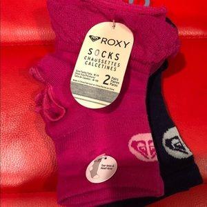 Roxy NWT hot pink and navy blue yoga socks